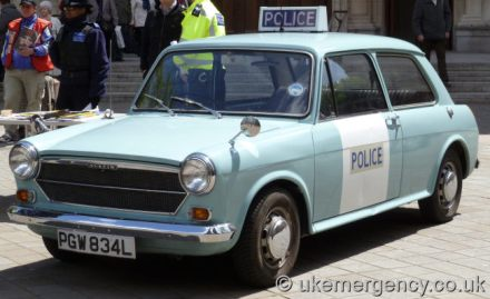 Photo of Austin 1100 police car